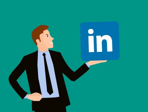 Top 5 Things Not To Do On Your LinkedIn Profile (and They're Easy to Fix!)